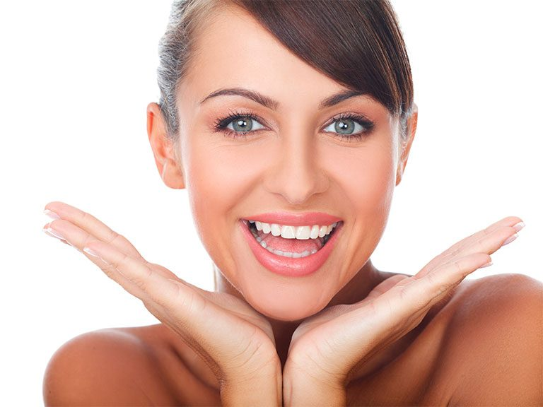 Cómo se puede mejorar estéticamente una sonrisa